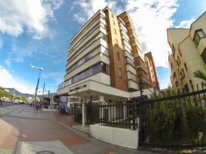 Oficina En Ventaen Bogota, La Castellana, Colombia, CO RAH: 19-680