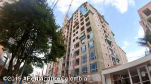 Apartamento En Ventaen Bogota, Belmira, Colombia, CO RAH: 19-700