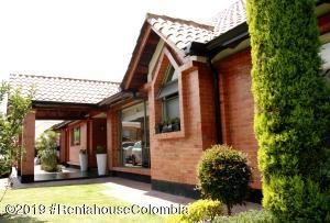 Casa En Ventaen Cajica, Vereda Calahorra, Colombia, CO RAH: 19-705