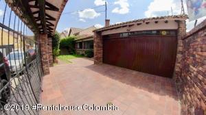 Casa En Arriendoen Chia, 20 De Julio, Colombia, CO RAH: 19-718