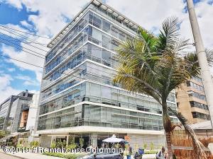 Oficina En Ventaen Bogota, Chico Norte, Colombia, CO RAH: 19-723