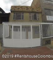 Casa En Ventaen Bogota, Floralia, Colombia, CO RAH: 19-731