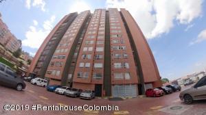 Apartamento En Ventaen Bogota, San Antonio Norte, Colombia, CO RAH: 19-746