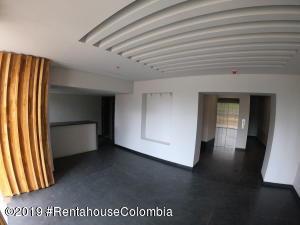 Oficina En Ventaen Bogota, Chico Norte, Colombia, CO RAH: 19-760