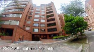 Apartamento En Arriendoen Bogota, La Cabrera, Colombia, CO RAH: 19-762