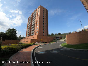 Apartamento En Arriendoen Bogota, Altos De La Colina, Colombia, CO RAH: 19-773