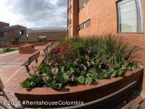 Apartamento En Arriendoen Bogota, Altos De La Colina, Colombia, CO RAH: 19-785