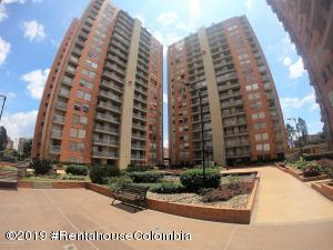 Apartamento En Arriendoen Bogota, Colina Campestre, Colombia, CO RAH: 19-793