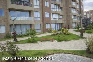 Apartamento En Arriendoen Cajica, Vereda Canelon, Colombia, CO RAH: 19-818