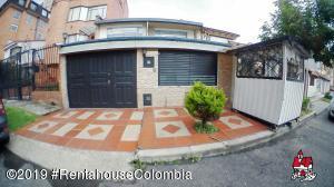Casa En Ventaen Bogota, Cedritos, Colombia, CO RAH: 19-823