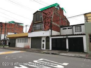 Casa En Ventaen Bogota, Villas Del Madrigal, Colombia, CO RAH: 19-827