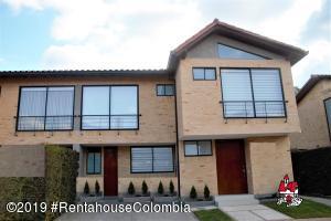 Casa En Arriendoen Cajica, Calahorra, Colombia, CO RAH: 19-803