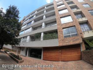 Apartamento En Arriendoen Bogota, Chico Norte Ii, Colombia, CO RAH: 19-832