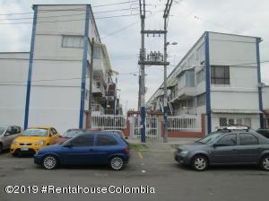 Apartamento En Ventaen Bogota, Bachue, Colombia, CO RAH: 19-851