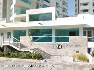 Apartamento En Ventaen Santa Marta, Rodadero, Colombia, CO RAH: 19-862