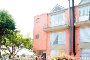 Casa En Ventaen Mosquera, El Trebol, Colombia, CO RAH: 19-883