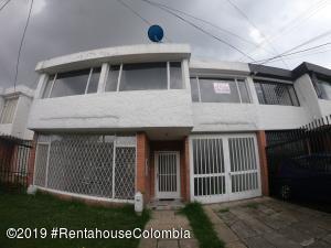 Casa En Ventaen Bogota, Las Villas, Colombia, CO RAH: 19-893