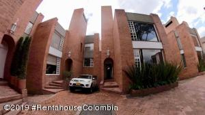Casa En Ventaen Bogota, La Calleja, Colombia, CO RAH: 19-896