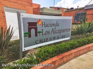 Casa En Ventaen Madrid, Los Alcaparros, Colombia, CO RAH: 19-897