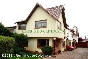 Casa En Ventaen Chia, Sabana Centro, Colombia, CO RAH: 19-900
