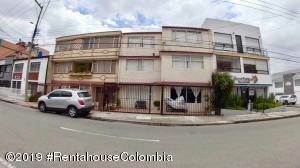 Casa En Ventaen Bogota, Santa Ana Usaquen, Colombia, CO RAH: 19-903