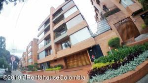 Apartamento En Arriendoen Bogota, San Patricio, Colombia, CO RAH: 19-929