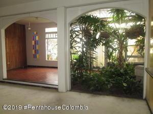 Casa En Ventaen Bogota, Niza Norte, Colombia, CO RAH: 19-931