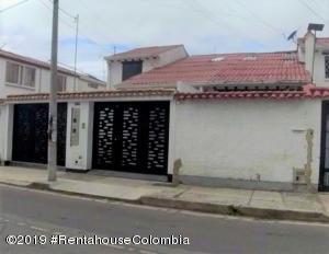 Casa En Arriendoen Bogota, Villa Del Prado, Colombia, CO RAH: 19-938