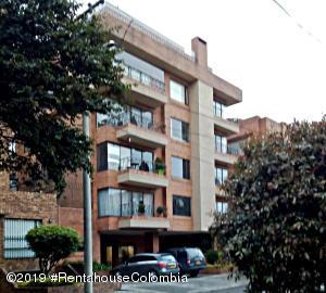 Apartamento En Ventaen Bogota, Chico Navarra, Colombia, CO RAH: 19-948