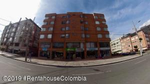 Oficina En Ventaen Bogota, Santa Bárbara, Colombia, CO RAH: 19-957