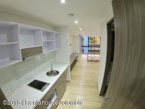 Apartamento En Arriendoen Bogota, Chapinero Central, Colombia, CO RAH: 19-966