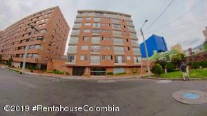 Apartamento En Arriendoen Bogota, Cedritos, Colombia, CO RAH: 19-981