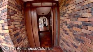 Casa En Arriendoen Chia, 20 De Julio, Colombia, CO RAH: 19-984