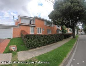 Casa En Ventaen Bogota, Santa Barbara Oriental, Colombia, CO RAH: 19-1015