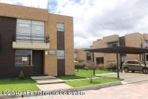 Casa En Ventaen Cajica, Calahorra, Colombia, CO RAH: 19-1026