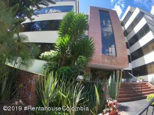 Apartamento En Ventaen Bogota, Chico, Colombia, CO RAH: 19-1030