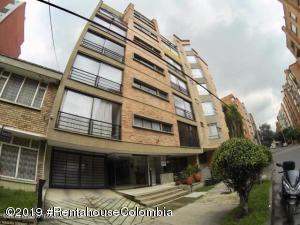 Apartamento En Ventaen Bogota, Rincón Del Chicó, Colombia, CO RAH: 19-1040