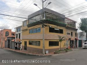 Local Comercial En Ventaen Bogota, Santa Ana Usaquen, Colombia, CO RAH: 19-1060
