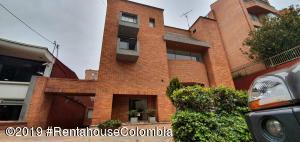 Apartamento En Arriendoen Bogota, Chico, Colombia, CO RAH: 19-1061