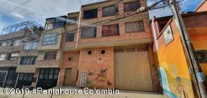 Apartamento En Ventaen Bogota, Tuna Alta, Colombia, CO RAH: 19-1064