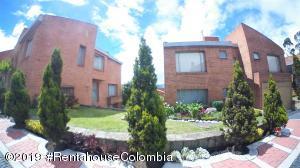 Casa En Ventaen Bogota, Cerros De Suba, Colombia, CO RAH: 19-1066