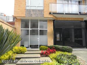 Apartamento En Ventaen Bogota, Nuevo Country, Colombia, CO RAH: 19-1067