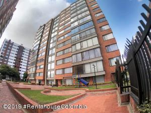 Apartamento En Arriendoen Bogota, Santa Bárbara, Colombia, CO RAH: 19-1068