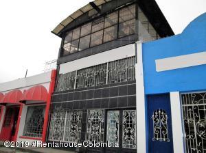 Local Comercial En Ventaen Bogota, Puente Aranda, Colombia, CO RAH: 19-1075