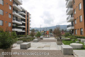 Apartamento En Arriendoen Cajica, Calahorra, Colombia, CO RAH: 19-1083