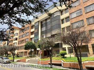 Apartamento En Ventaen Bogota, Belmira, Colombia, CO RAH: 19-1087
