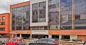 Oficina En Ventaen Bogota, Chico Norte, Colombia, CO RAH: 19-1094