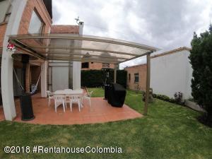 Casa En Arriendoen Bogota, Suba Urbano, Colombia, CO RAH: 19-1096