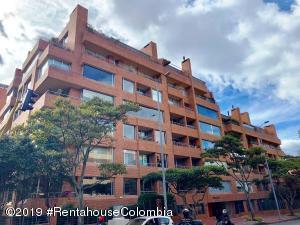 Apartamento En Arriendoen Bogota, Chico Norte, Colombia, CO RAH: 19-1106