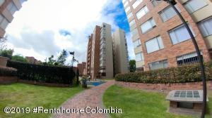 Apartamento En Ventaen Bogota, Colina Campestre, Colombia, CO RAH: 19-1122